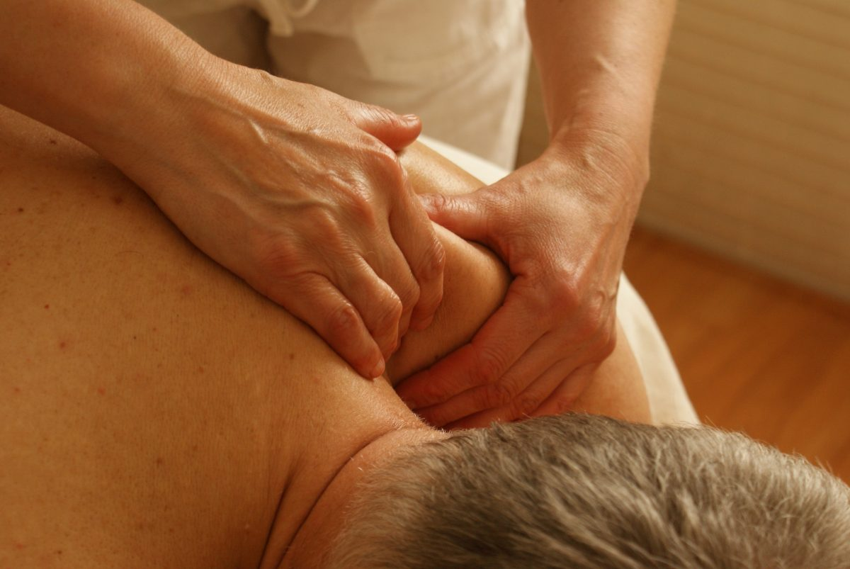 What is Rolfing And What Can It Treat?