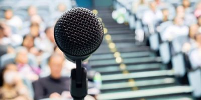 how overcome fear public speaking